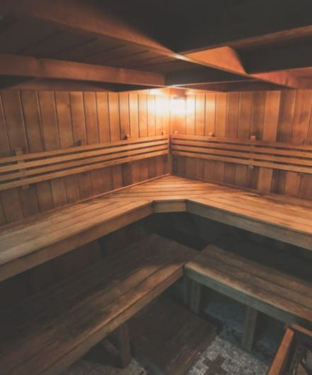 steam room with dim lighting